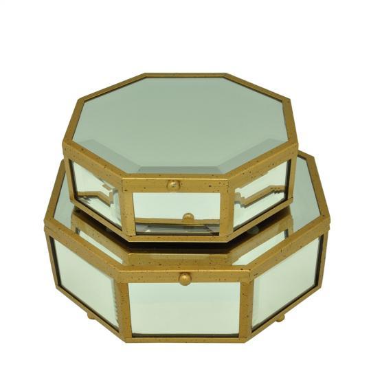 Caixa em Vidro e Detalhes em Ferro Dourado G