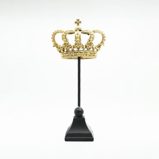 Escultura Mdf e Metal Formato Coroa