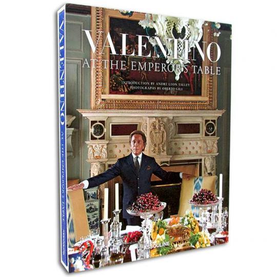 Livro Valentino At The Emperor Table